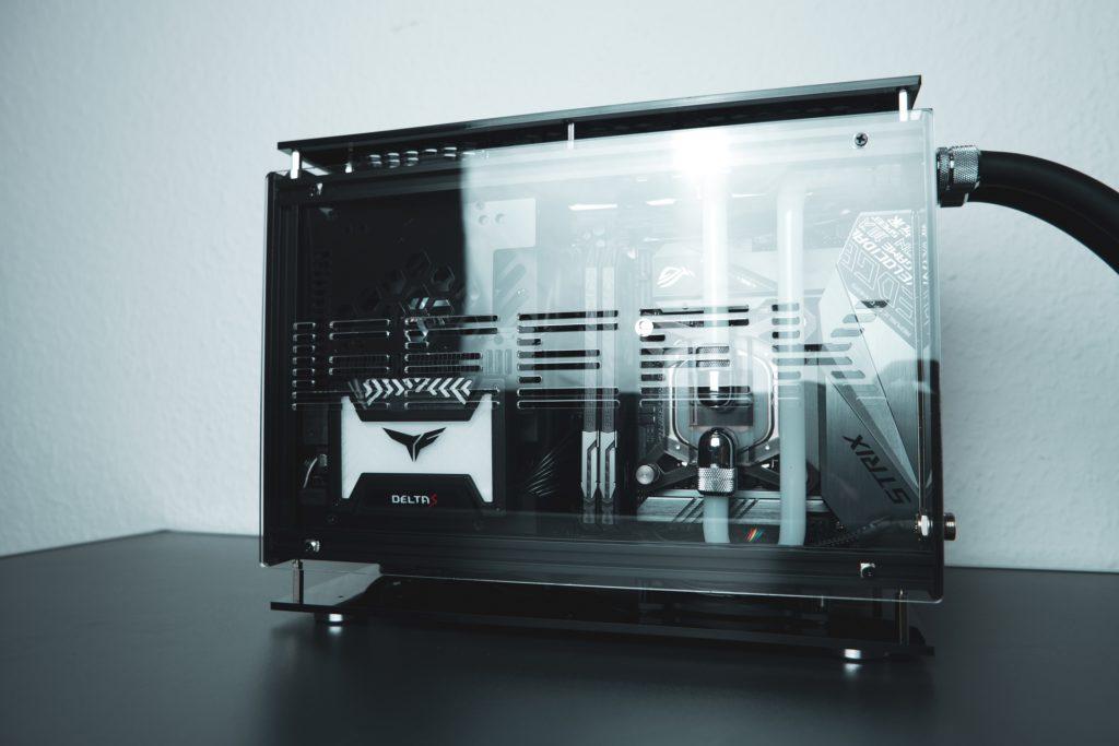 Geeek Case A50 I9 9900K ITX Gaming System ~ CustomRigs Casemodding