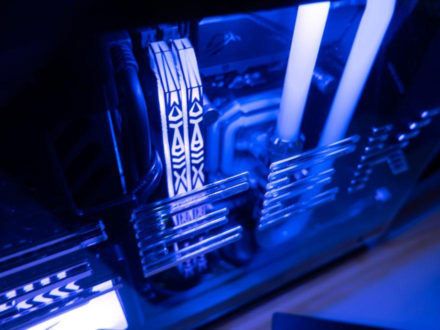 GEEEK CASE A50 ITX I9 9900K Gaming System