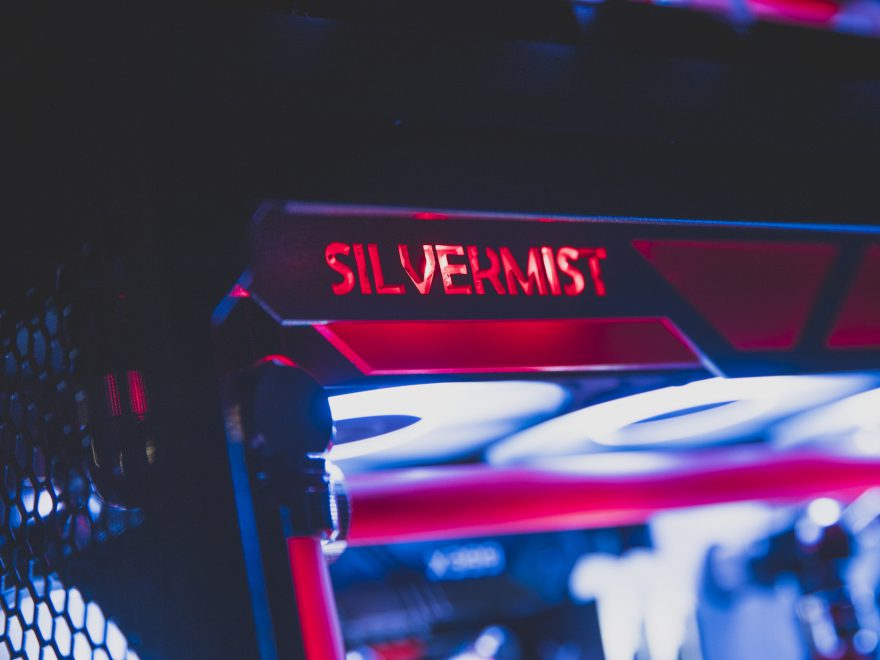 Silvermist a Phantom Gaming Threadripper PC Build